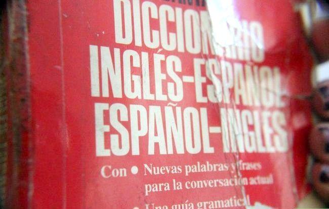 Titel afbeelding Say Greetings and Goodbyes in Spaans Stap 1