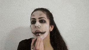 Titel afbeelding Apply Zombie Makeup Step 13